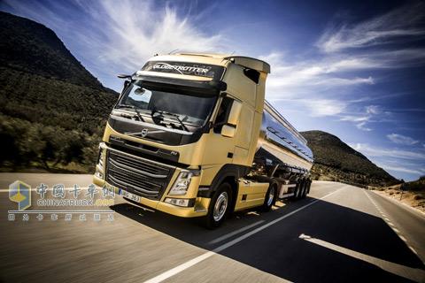 新款沃尔沃fm卡车高清图片