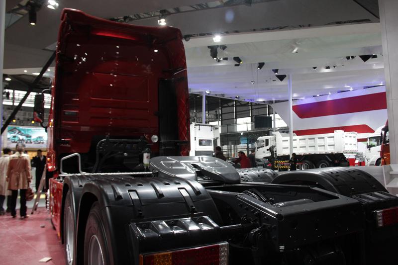 重庆买手机_【图】东风天龙旗舰外观图集_车型图片_中国卡车网
