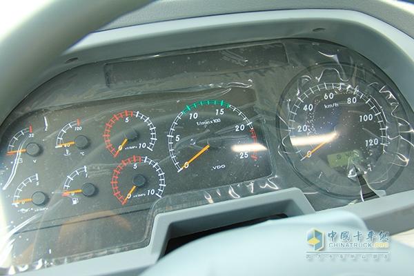 欧曼发动机仪表控制电路图