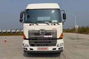 广汽日野 700系列重卡 6×4轻量化牵引车