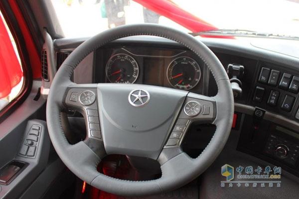 盘,将音响控制按钮、空调控制按钮,车载电话各个功能覆盖在方