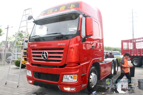 大运n9重卡 430马力 6x4 牵引车