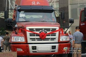 一汽解放柳特港口长头牵引进入广州