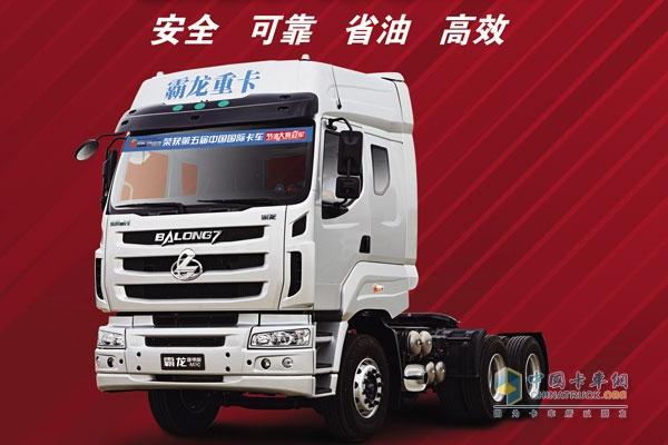 东风柳汽国四车家族中,以霸龙重卡和乘龙中卡为代表的全新国四标准