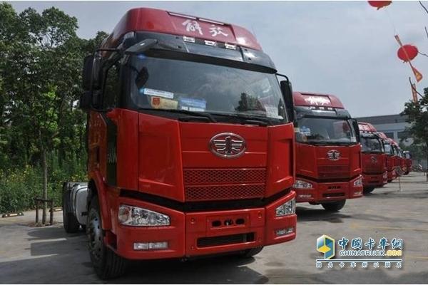 一汽解放J6P牵引车-订车562台 解放卡车实力引爆深圳市场高清图片