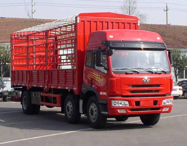 一汽解放青岛 途V 340 马力 8×4载货车
