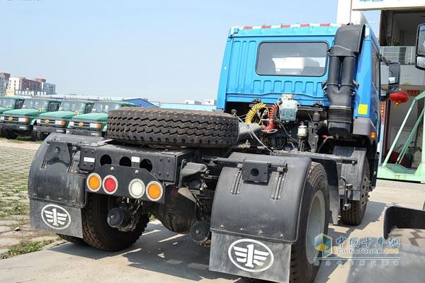 一汽解放青岛 龙v 165马力 4×2 国四牵引车 ca4085pk2e4a80