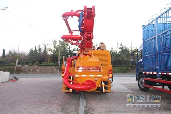一汽解放青岛 龙V 204马力 4X2 国四水泥泵车