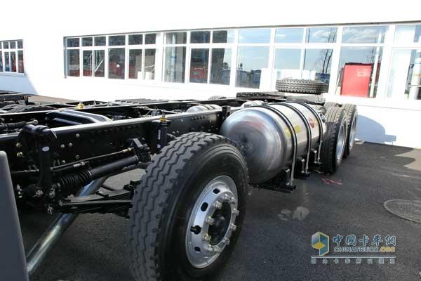 一汽解放青岛 290马力 悍V 8×4国四自卸车