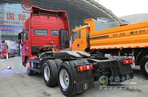 陕汽重卡 X3000 潍柴 430马力 6X4 轻量化 国四牵引车