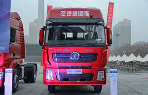 陕汽重卡 X3000 潍柴 380马力 6X2 轻量化 国五 LNG牵引车
