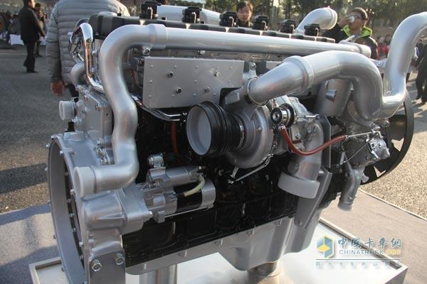 中国重汽 MC07.35 350马力 两级增压柴油机