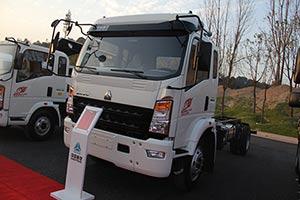 中国重汽 豪沃 (MC05发动机)245马力 4×2 国四 轻型载货车