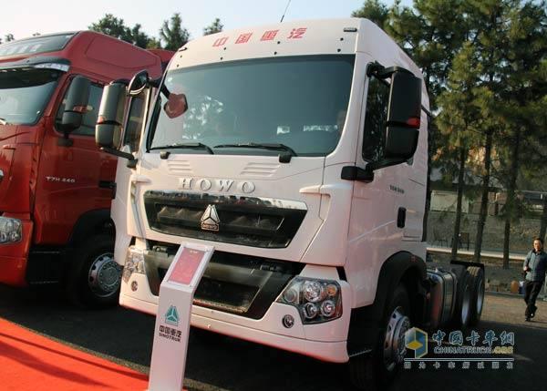 中国重汽豪沃t重卡 5平台产品发力2015市场