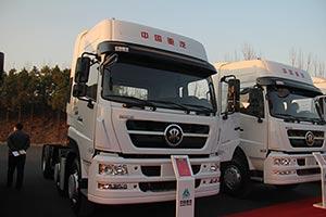 中国重汽 斯达-斯太尔重卡 D7B 380马力 6X2 牵引车