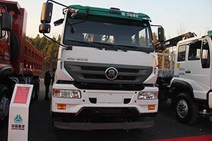 中国重汽 M5G 280马力 6X4 国四 十吨随车起重运输车