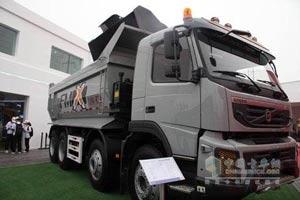 沃尔沃卡车 FMX重卡 440马力 8×4 自卸车