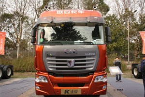 联合卡车 玉柴 400马力 2015款6X4 K金版牵引车