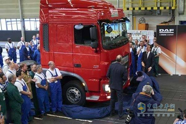 荷兰首相来捧场第100万辆DAF卡车下线
