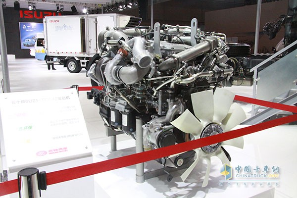 庆铃vc46重型牵引车所使用的是五十铃最新研发的6uz1-tcg40发动机