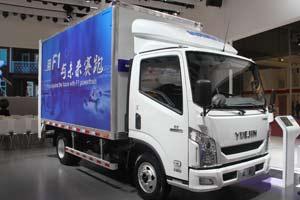 南京依维柯超越C300 国五动力 首次亮相 车辆外观图