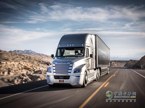 奔驰无人驾驶卡车-奔驰卡车 全球第一辆自动驾驶卡车上牌成功高清图片