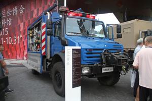 梅赛德斯-奔驰乌尼莫克(Unimog)U4000 4X4地震救援车底盘