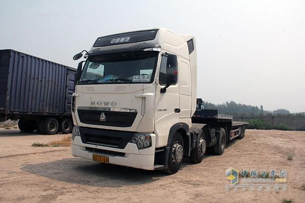 行驶里程达到8万公里的T7-因 芯 而动 70后老卡车司机选择T7卡车高清图片