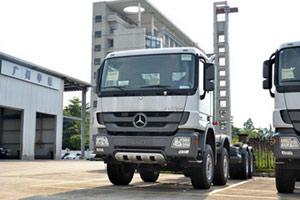 奔驰 Actros408马力 8X4 重卡载货车(型号4141底盘)