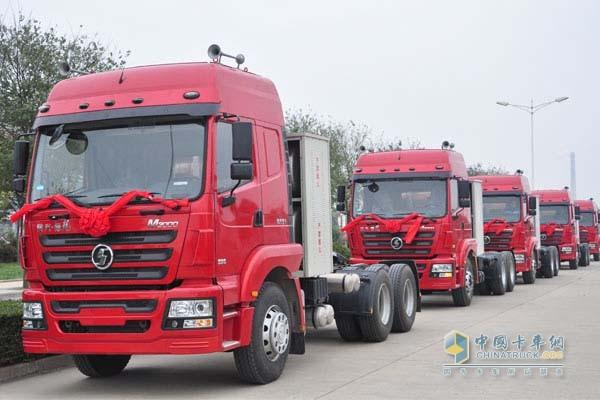 汽车1-10月累计生产天然气卡车729辆,同 比下降86%,行业份高清图片