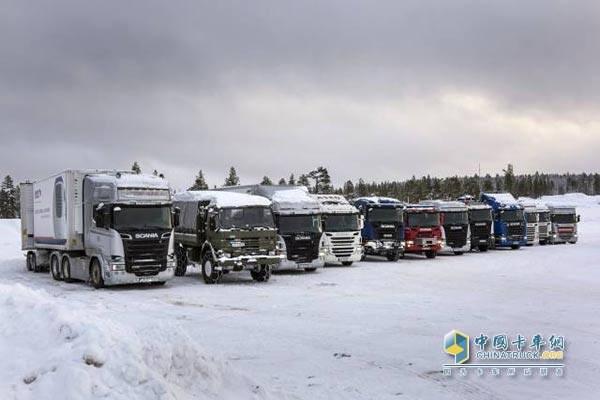 寒冷冬季中的卡车