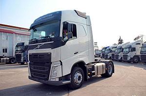 沃尔沃 新FH重卡 420马力 4X2 牵引车