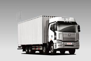一汽解放J6P 420马力8×4厢式载货车(复合型)