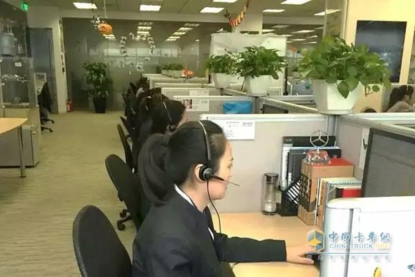 福田戴姆勒卡客车 中国 客户服务中心高清图片