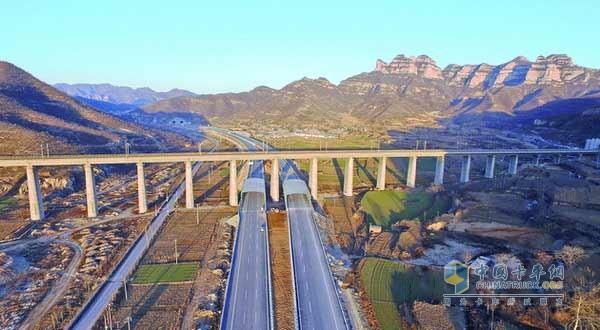 最后断点被打通 京昆高速公路全线贯通