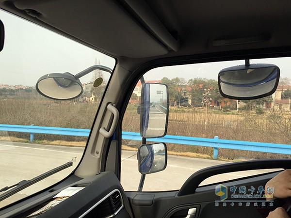 江淮骏铃V6轻卡载货车驾驶室高清图片