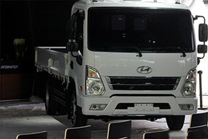 四川现代高端轻卡QTc北京车展现场亮相