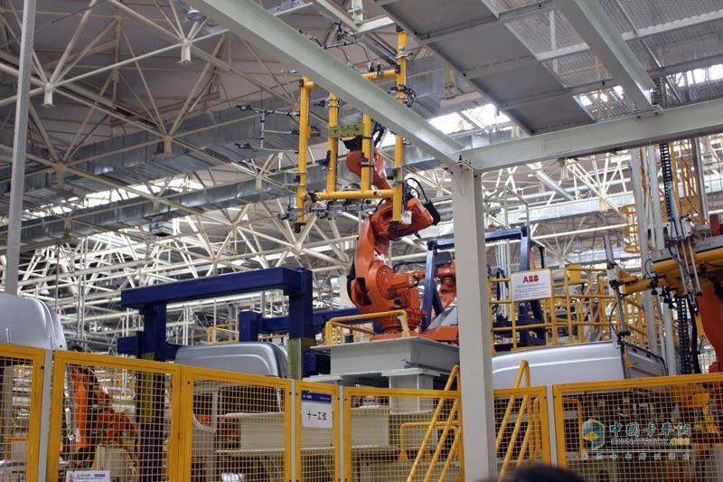 133台ABB机器人作业