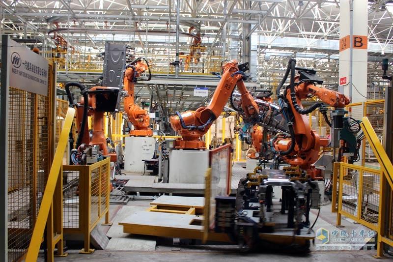 有效地保证驾驶室焊接的安全性、稳定性及可靠性
