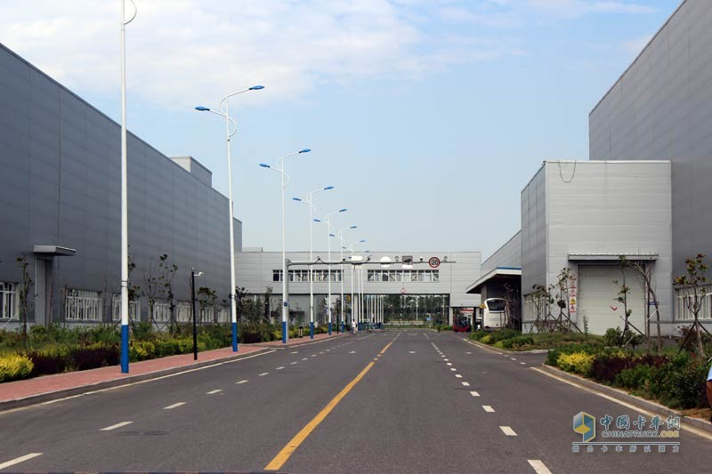 干净整洁的工厂环境,设施设备齐全
