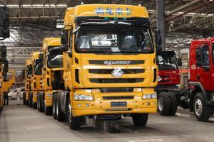 东风柳汽 乘龙康明斯M7C重卡 380马力 6X4 牵引车(黄色)