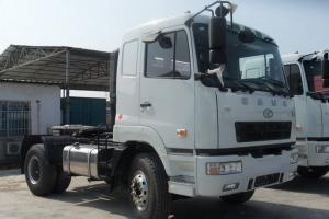 华菱之星准重卡 300马力 4X2 牵引车(HN4181B34C4M4)