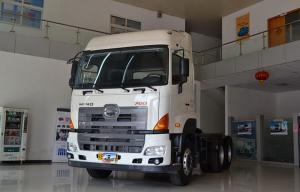 广汽日野 700系列重卡 420马力 6X4 牵引车(YC4250SS2PK4)