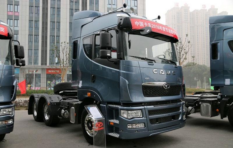 华菱 星凯马重卡 420马力 6x4 牵引车(hn4252a34c2m4)