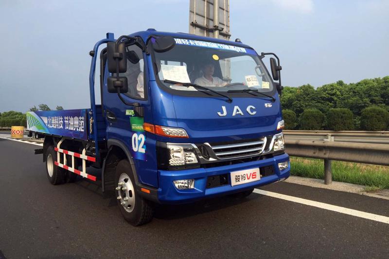 江淮骏铃V6 160马力 4X2单排栏板轻卡(迈斯福3.2L动力)