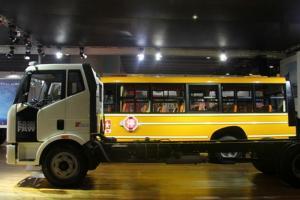 一汽解放 J6L中卡 140马力 4X2载货车底盘(新道依茨)