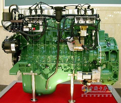 """由锡柴科技人员提出的发动机""""带弹簧紧固螺栓总成"""""""