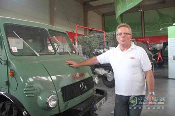 德国乌尼莫克协会会长,拥有40年乌尼莫克售后服务经验的Kart Leib先生