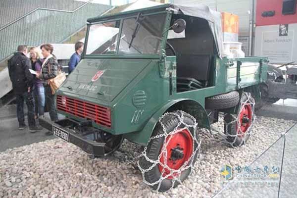 现存最久的乌尼莫克(1946年发布的第一批乌尼莫克的第六辆)