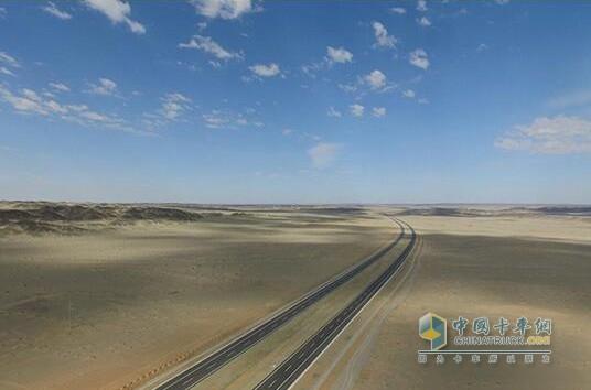 内蒙临河_京新高速铺进疆 新疆至北京缩短1300公里_中国卡车网